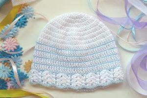 Gorrito bebé azul y blanco