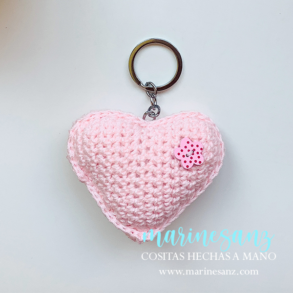 llavero corazón amigurumi